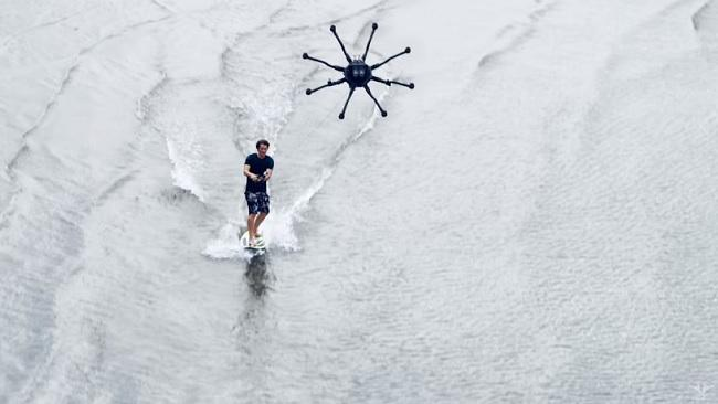 Drone surfing is the new sport