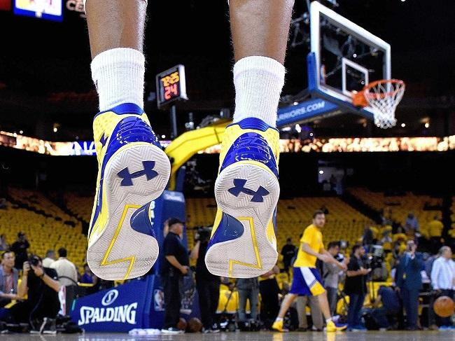 Stephen Curry wearing Under Armour shoes