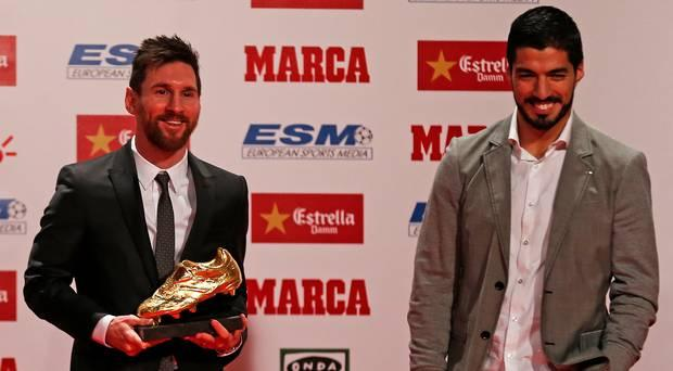 Barcelona pays its star Messi and Suárez more than any other team